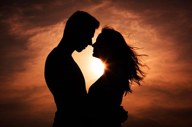 casal-apaixonado-silhueta
